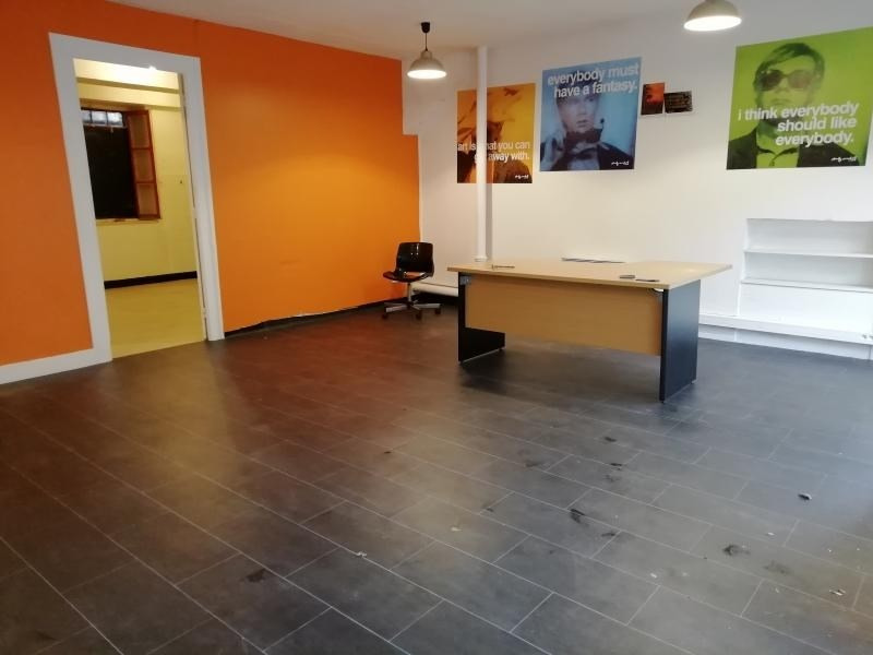 Location local commercial Fontaines sur saone 500€ HT/HC - Photo 3
