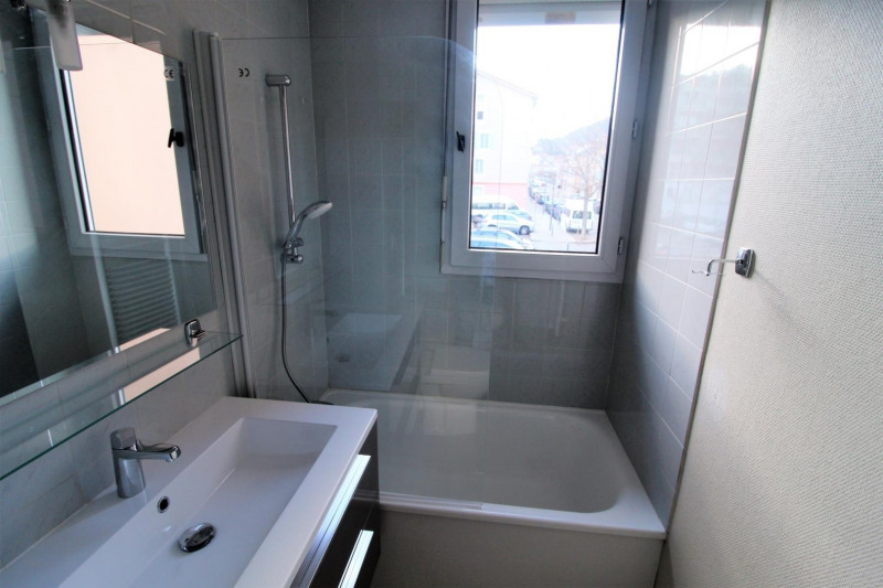 Location appartement Voiron 420€ CC - Photo 4