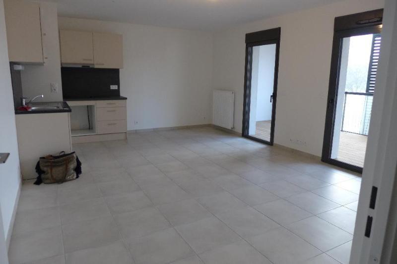 Location appartement Lyon 9ème 918€ CC - Photo 3
