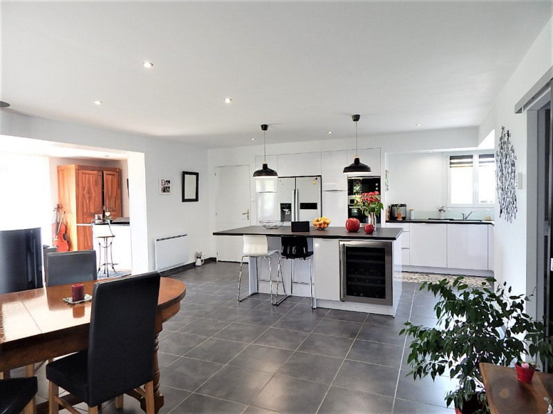 Sale house / villa Semussac 275000€ - Picture 2