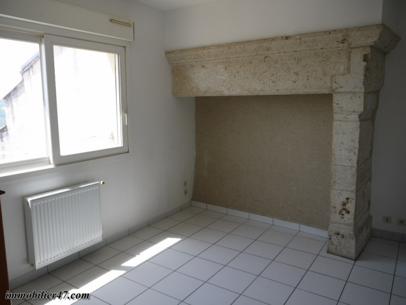 Rental apartment Montpezat 315€ CC - Picture 3