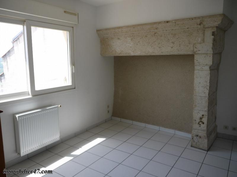 Verhuren  appartement Montpezat 315€ CC - Foto 3