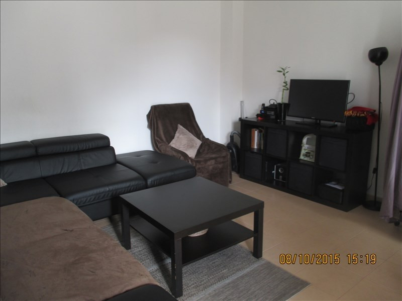 Location appartement Labastide st pierre 578€ CC - Photo 2