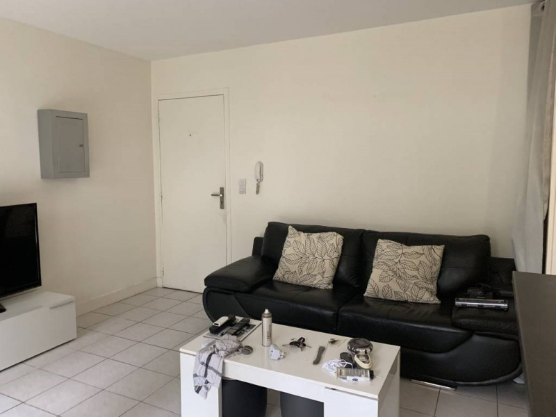 Rental apartment Breuillet 641€ CC - Picture 3