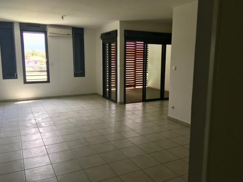 Sale apartment St pierre 235000€ - Picture 3