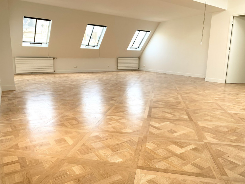 Location appartement Paris 8ème 5 120€ CC - Photo 2