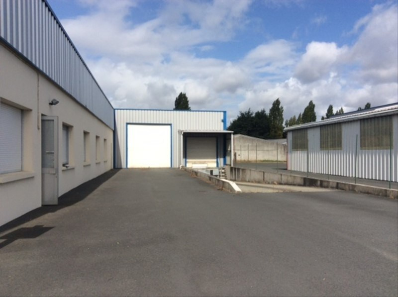 Location local commercial Cholet 2 200€ HT/HC - Photo 2
