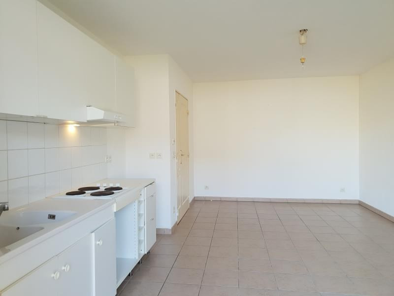 Location appartement Aix en provence 815€ CC - Photo 2