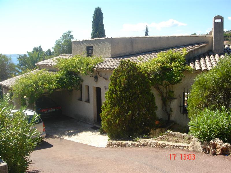 Vacation rental house / villa Les issambres 1875€ - Picture 1