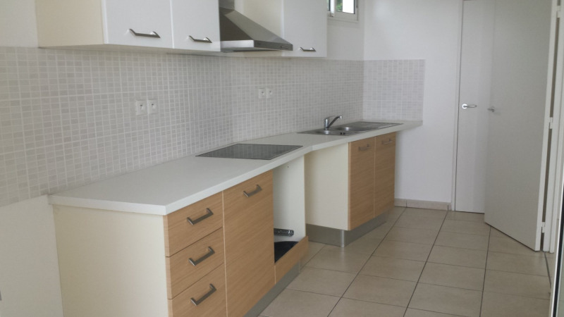 Location appartement Ste clotilde 798€ CC - Photo 5