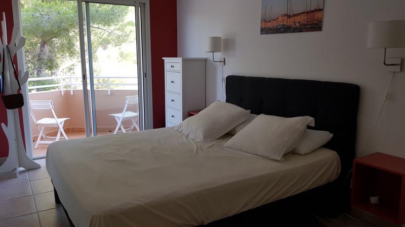 Location vacances appartement Cavalaire sur mer 650€ - Photo 13