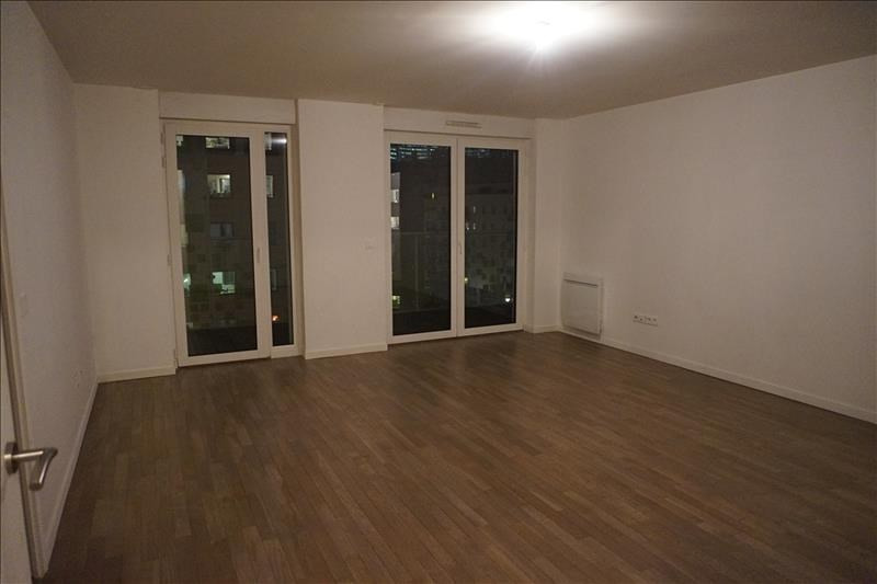Rental apartment Courbevoie 2160€ CC - Picture 3