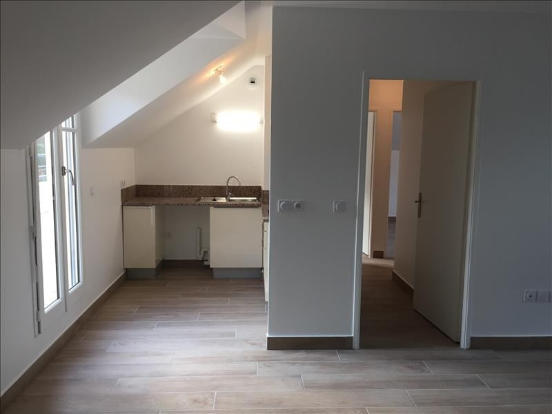 Location appartement Buc 1 359€ CC - Photo 2
