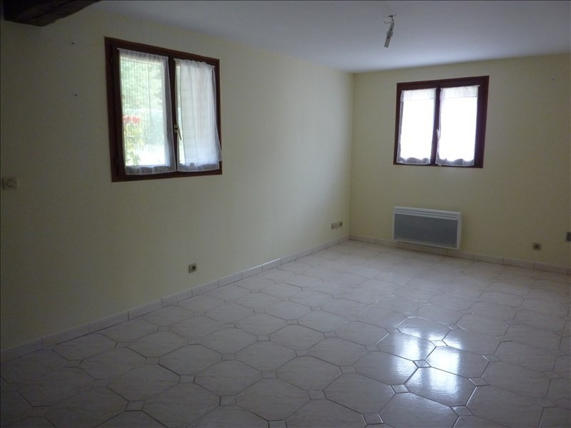 Rental apartment Gometz le chatel 660€ CC - Picture 2