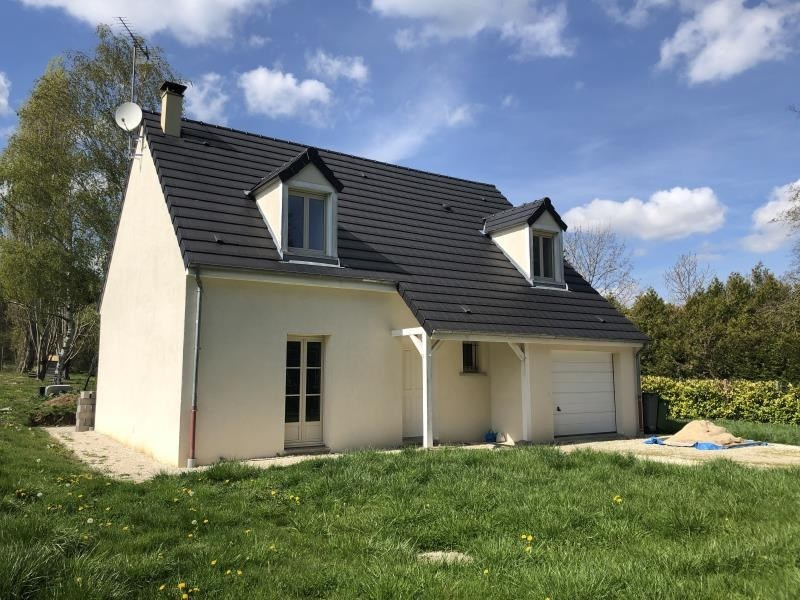 Sale house / villa Egleny 190800€ - Picture 1