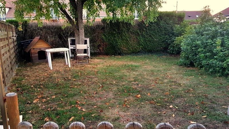 Rental house / villa Eragny 769€ CC - Picture 2