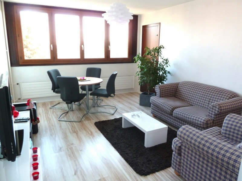 Rental apartment Andresy 915€ CC - Picture 1