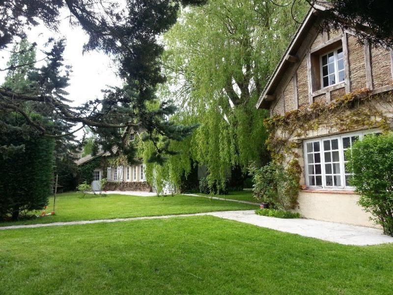 Sale house / villa Longnes 392000€ - Picture 1