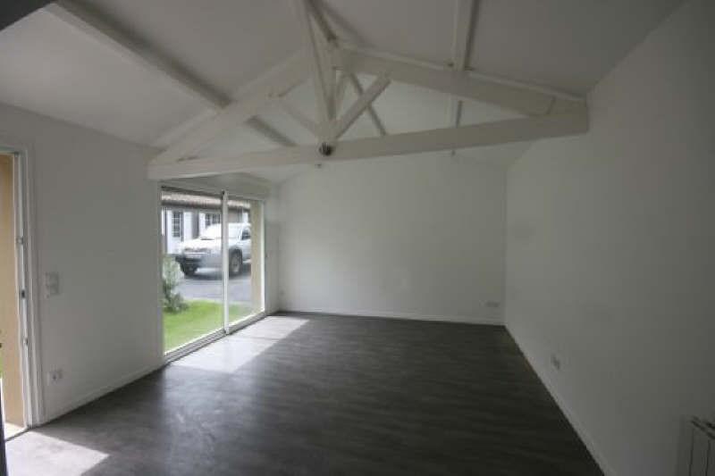 Rental apartment Carbon blanc 758€ CC - Picture 2