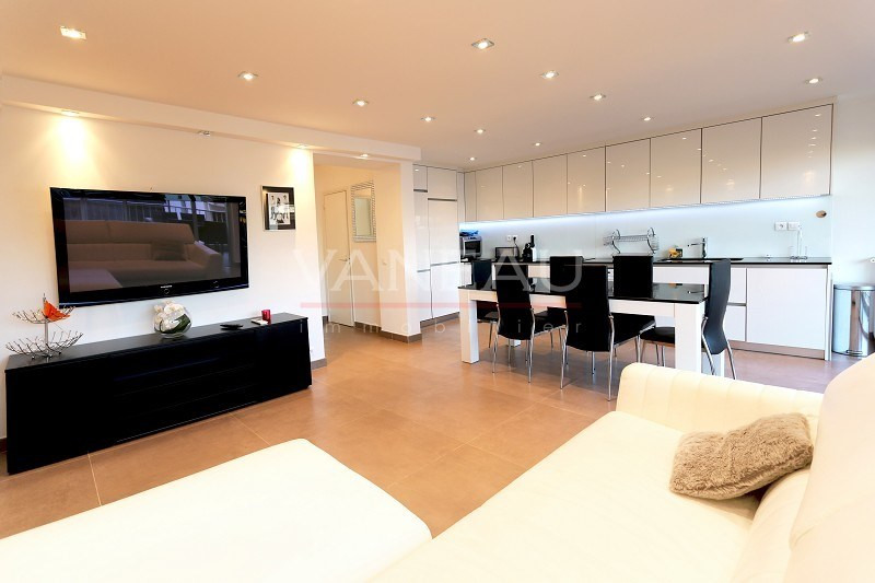 Vente de prestige appartement Juan-les-pins 399 000€ - Photo 2
