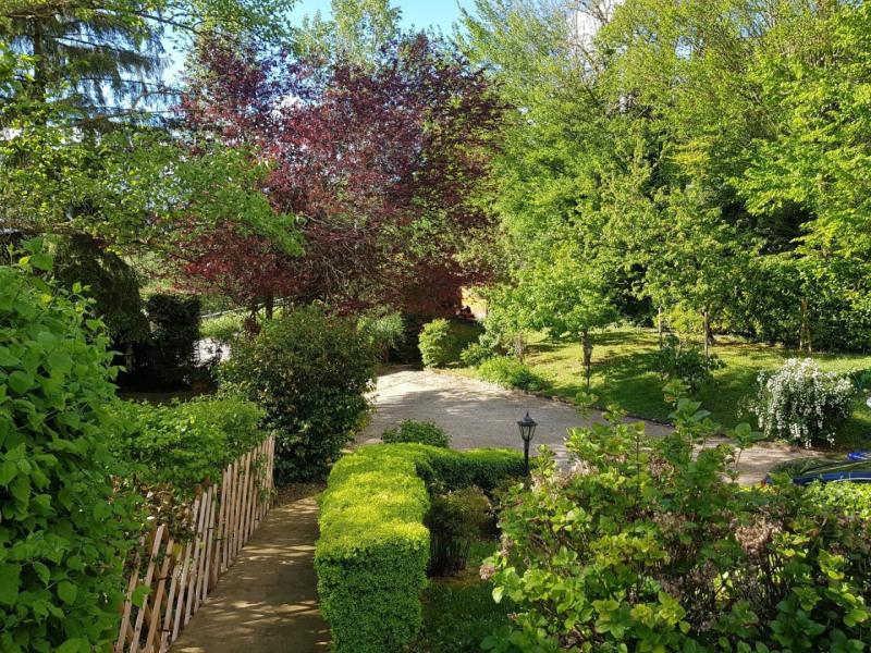 Sale house / villa Eyzin pinet 400000€ - Picture 8