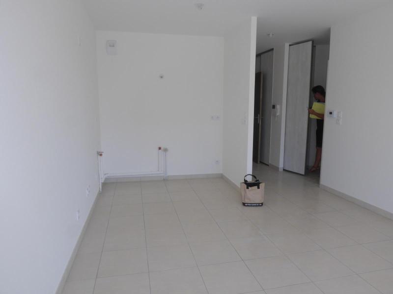 Location appartement Dijon 589€ CC - Photo 3