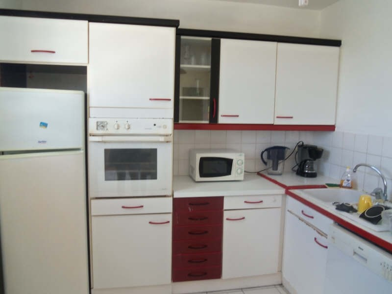 Rental apartment St francois 800€ CC - Picture 4