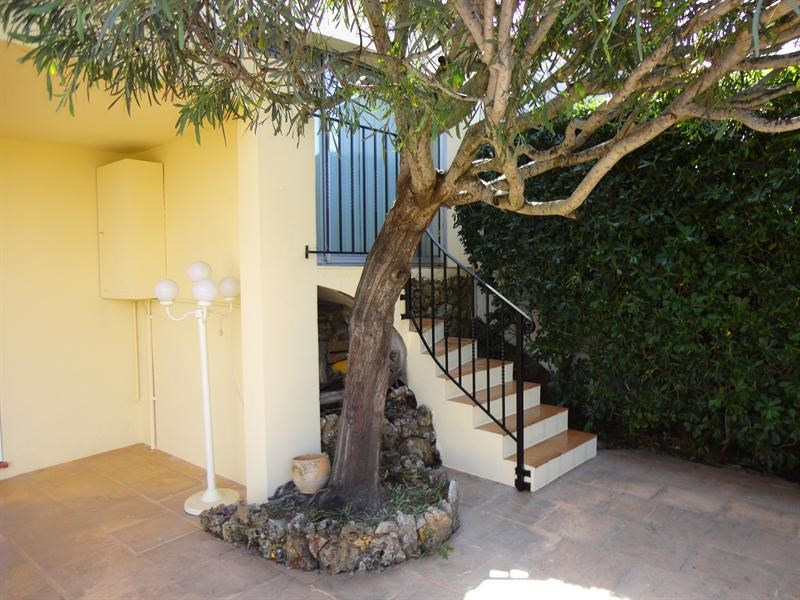 Vacation rental house / villa Les issambres 660€ - Picture 11