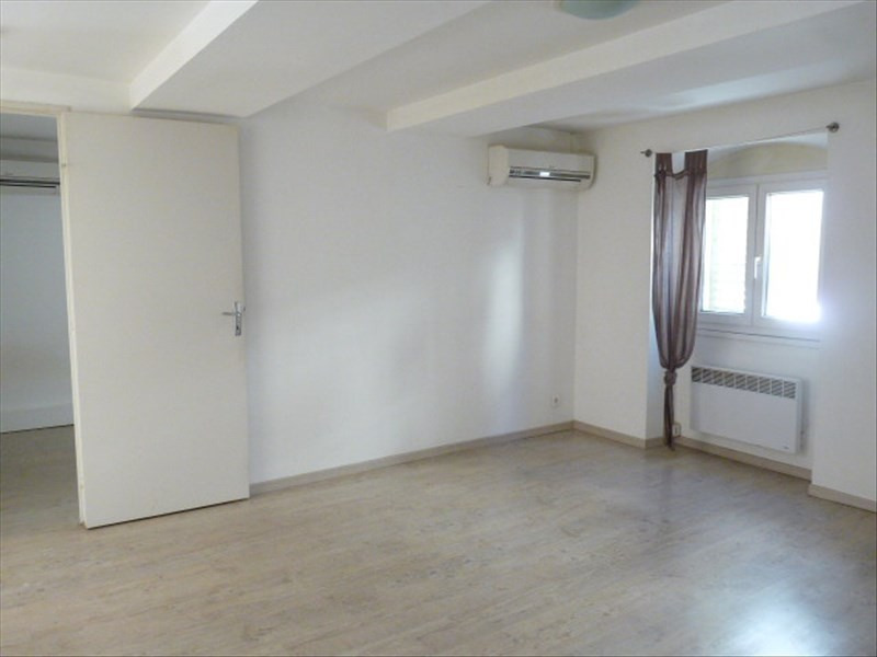 Location appartement Marseille 1er 623€ CC - Photo 2