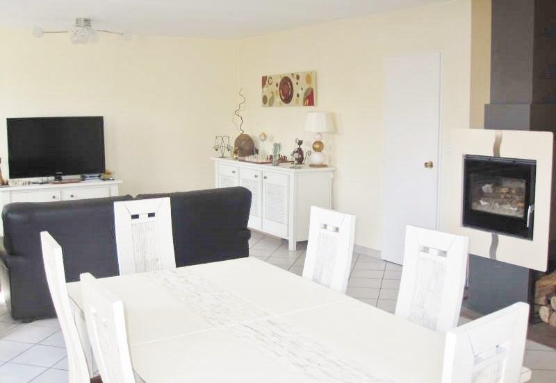 Location maison / villa Villefontaine 1150€ CC - Photo 2