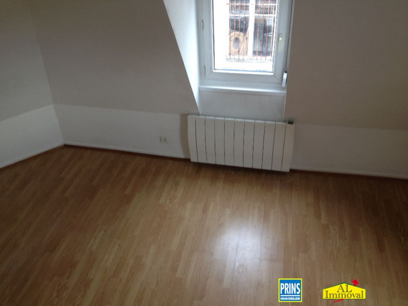 Rental apartment St omer 430€ CC - Picture 3
