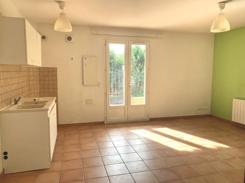 Rental apartment Les milles 696€ CC - Picture 2