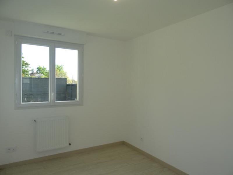 Sale house / villa Breval 220000€ - Picture 6