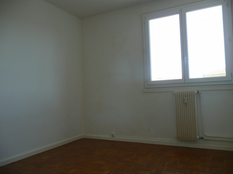 Investment property apartment Saint-genis-laval 147 000€ - Picture 6