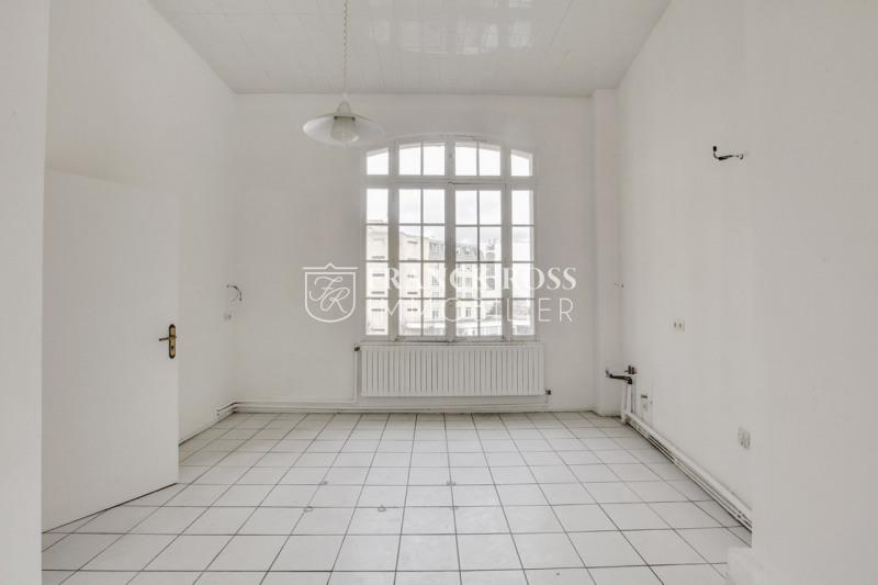 Location appartement Paris 8ème 11000€ CC - Photo 7