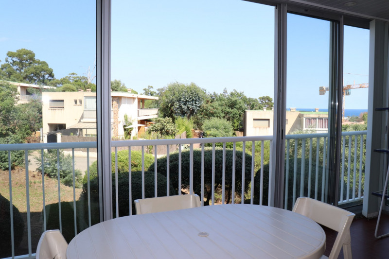 Vacation rental apartment Cavalaire sur mer 400€ - Picture 2