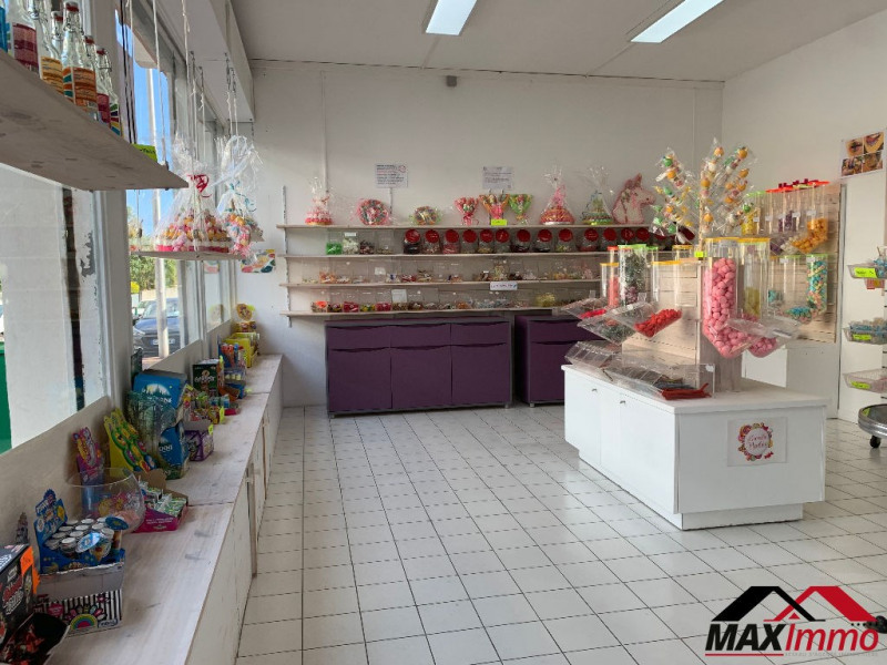 Location local commercial Saint pierre 1476€ HC - Photo 1