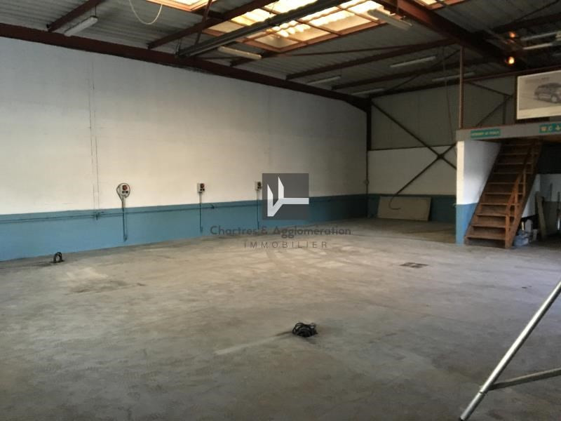 Sale empty room/storage Chartres 240000€ - Picture 1