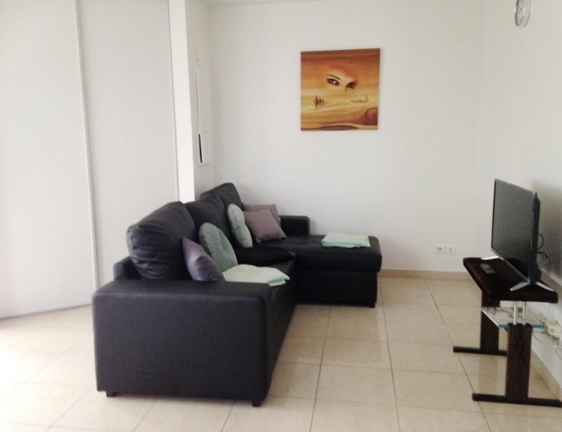 Rental apartment La rochelle 785€ CC - Picture 2