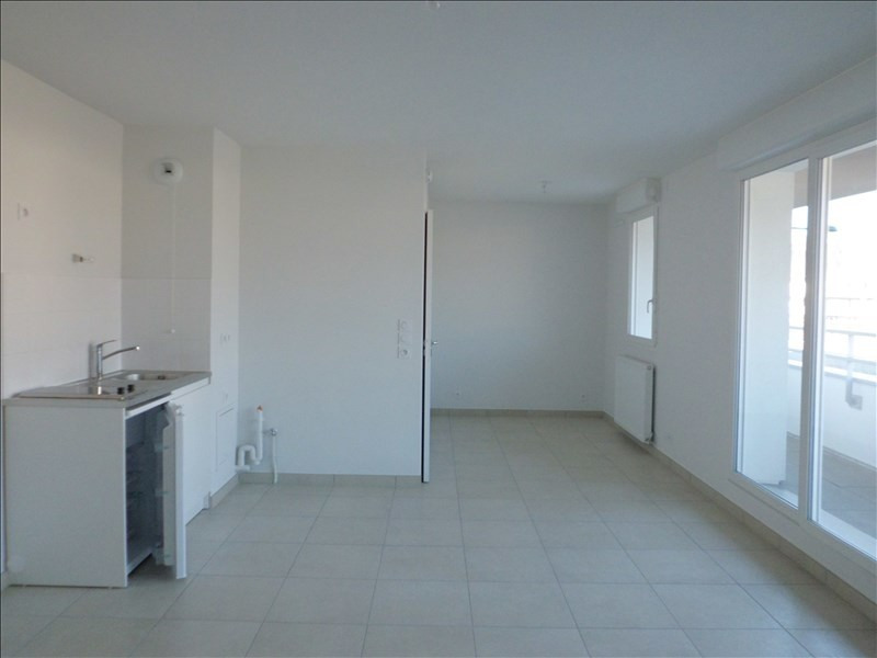 Rental apartment Barberaz 468€ CC - Picture 3
