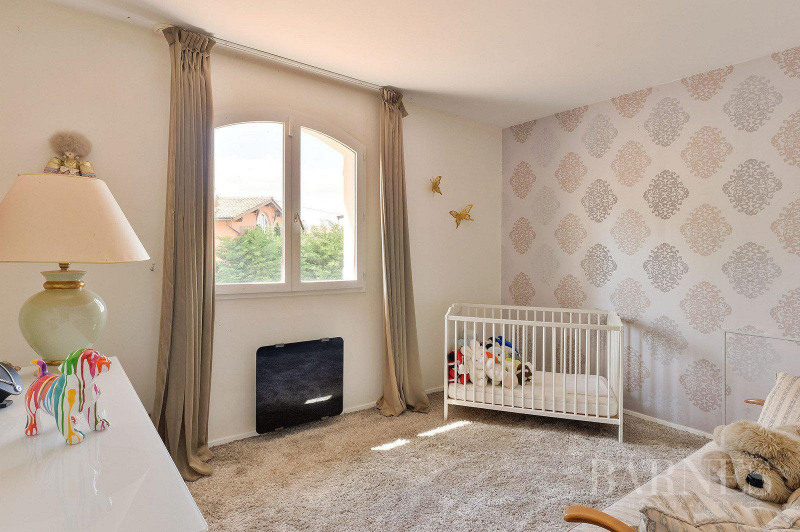 Deluxe sale house / villa Saint-bonnet-de-mure 649000€ - Picture 4