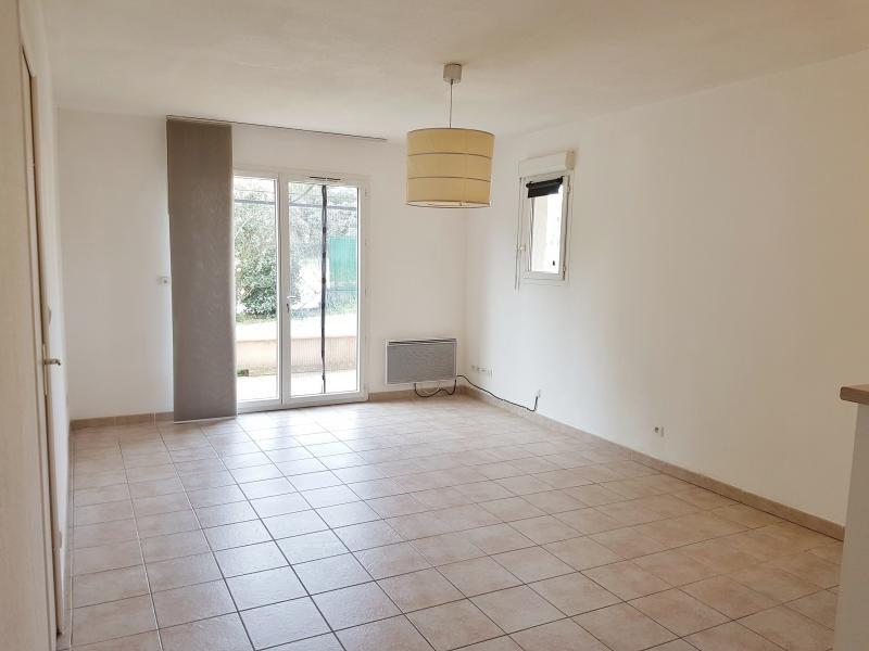 Location appartement St chamas 627€ CC - Photo 1