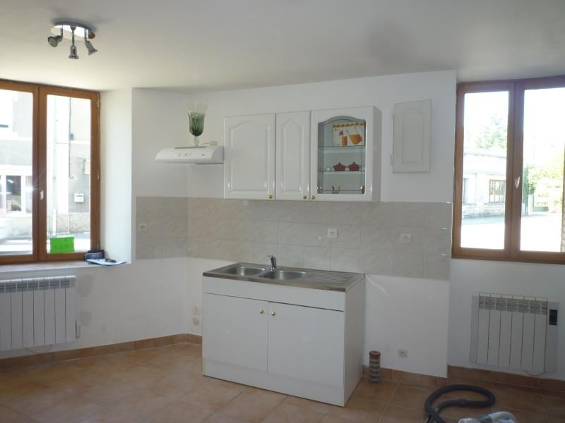 Location maison / villa Artemare 410€ CC - Photo 1