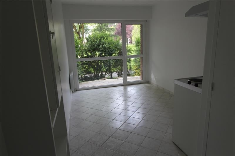 Location appartement Maurepas 515€ CC - Photo 1
