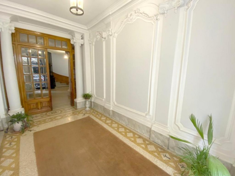 Sale apartment Nice 420 000€ - Picture 1