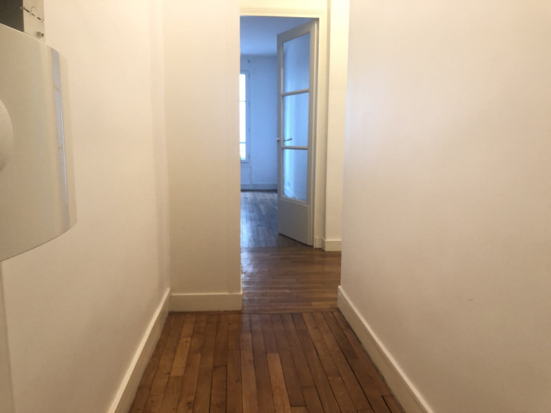 Rental apartment Paris 15ème 1 276€ CC - Picture 1