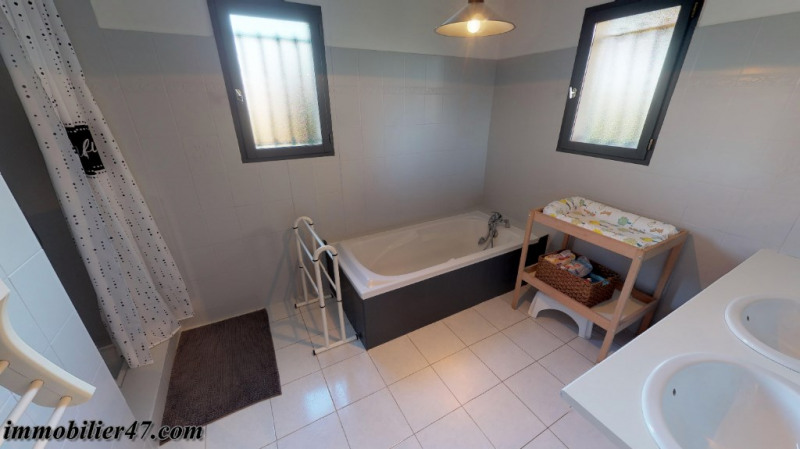 Sale house / villa St sardos 319900€ - Picture 15