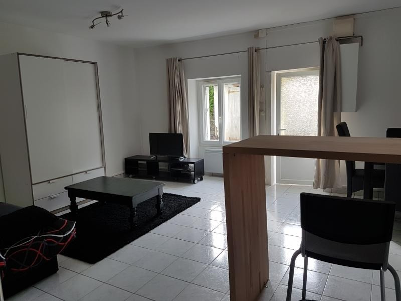 Location appartement Laval 320€ CC - Photo 3