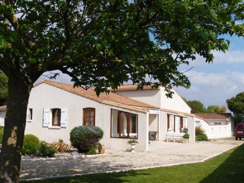 Sale house / villa Meschers sur gironde 357645€ - Picture 1