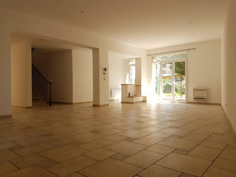 Rental house / villa Rognonas 1600€ CC - Picture 3